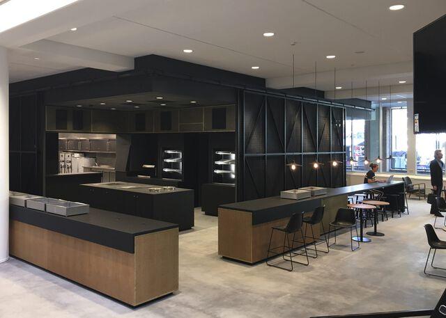 moderne keuken in bedrijfskantine